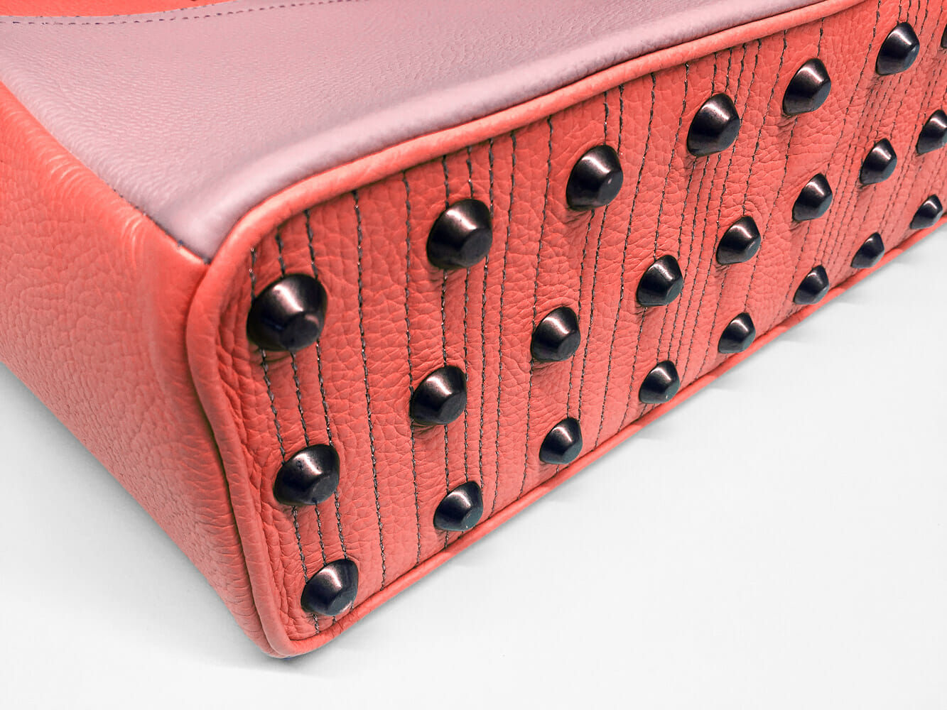 Luc8k bespoke Shopper showing studs at bottom
