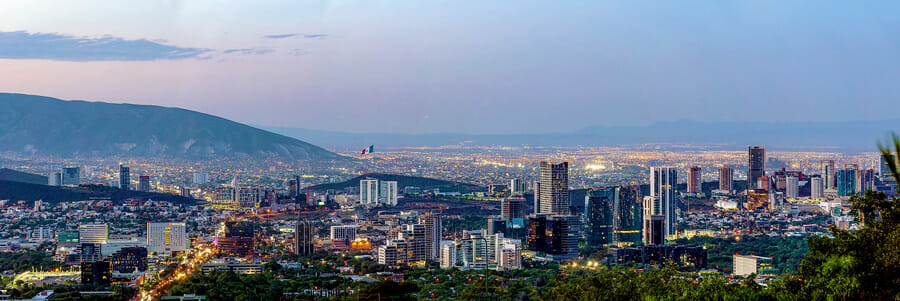 Sophie goes to Mexico City, Areal view of Mexico city at evening